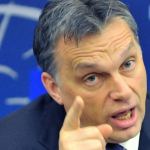 orban_finger_in_air