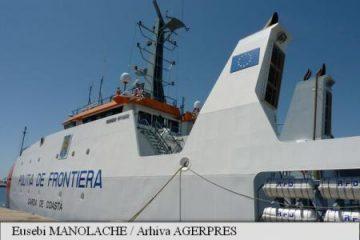 135 de migranți blocați pe o nava a Gărzii de Coasta în Italia