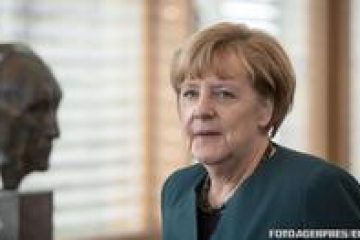 Dreapta bavareză îi impune lui Merkel un ultimatum de două săptămâni / În lipsa unei soluții, ministrul de Interne va închide granițele pentru solicitanții de azil