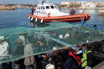 Un deputat italian mulţumeşte României pentru că s-a oferit să preia o parte din migranţii ajunşi în Catania